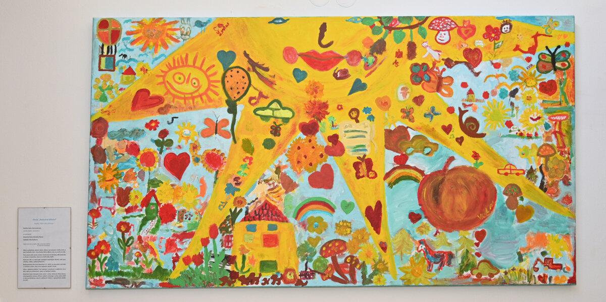 Velkoformátový obraz od dětí zRosic amalířky Steinocherové dělá radost pacientům MOÚ